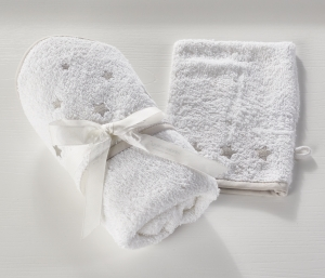 Hooded Towel and Wash Mitt Stars