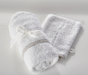 Hooded Towel and Wash Mitt White
